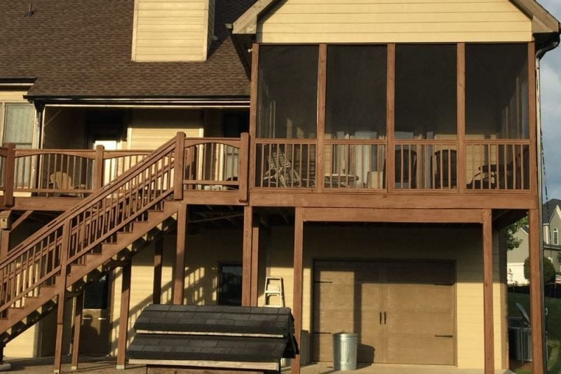 Second story deck with screened in area